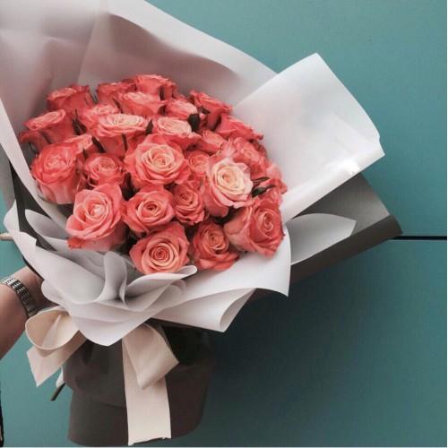 Купить на заказ Букет из 31 розовой розы с доставкой в Аральске