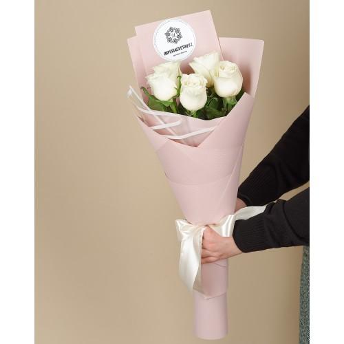Купить на заказ Букет из 5 роз с доставкой в Аральске