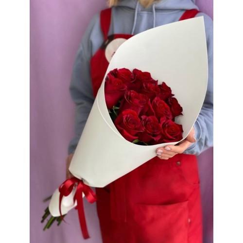 Купить на заказ 15 красных роз с доставкой в Аральске