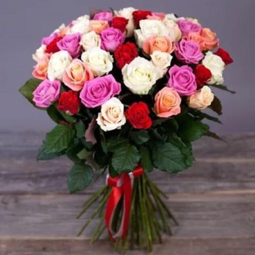Купить на заказ Букет из 31 розы (микс) с доставкой в Аральске